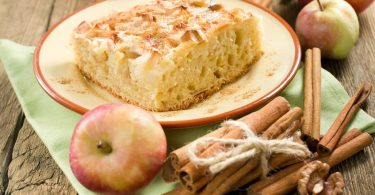 Preparando una tarta sin hojaldre deliciosa