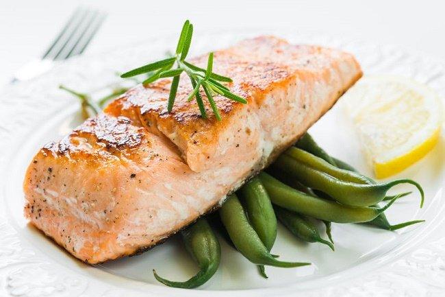 pérdida de grasa con salmón con verdura