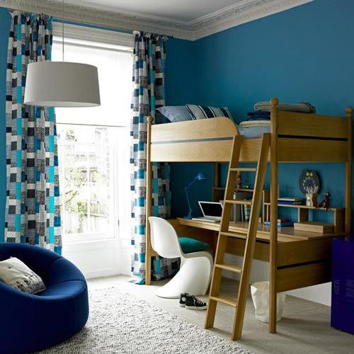 Habitación de niño muy colorida