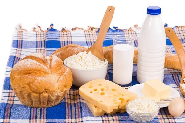 riesgo de alzheimer con alimentos lácteos y carnes