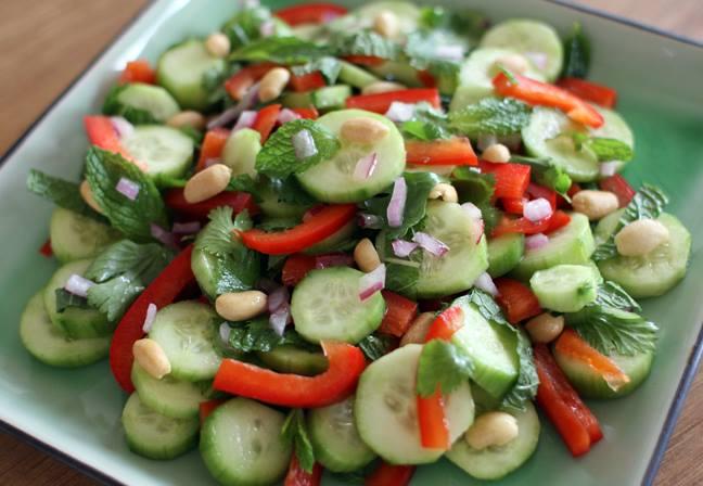 bajar kilos con ensalada de pepino