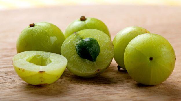 fruto de amla para aumentar las plaquetas en la sangre