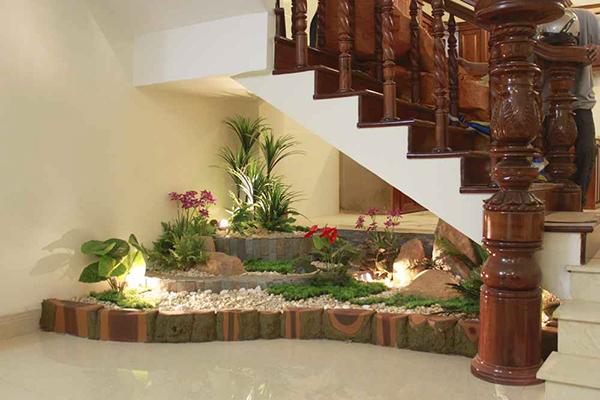 12 lindas ideas de jardines debajo de la escalera for Cocinas debajo de las escaleras