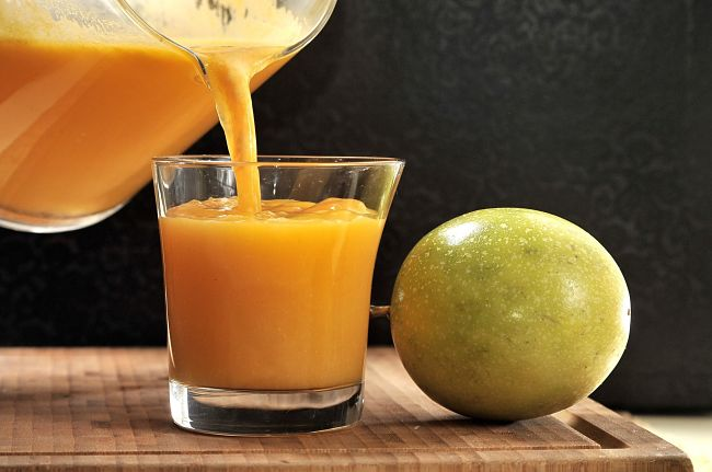 Delicioso jugo de maracuyá para subir los niveles de hemoglobina