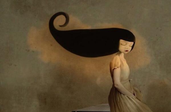 Una mujer que vive su soledad