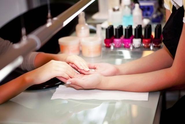 pintarse las uñas es tóxico