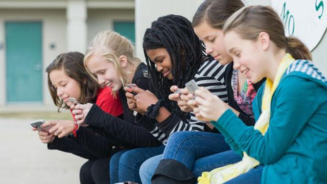 usar celulares evita socializar