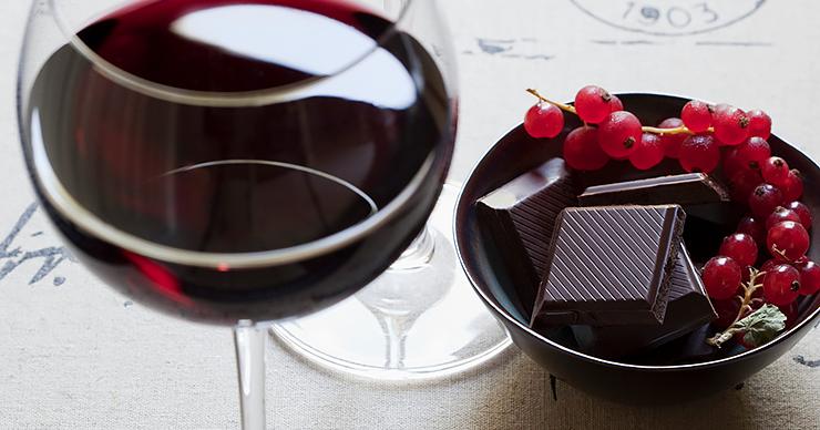 reducir las arrugas con chocolate y vino tinto