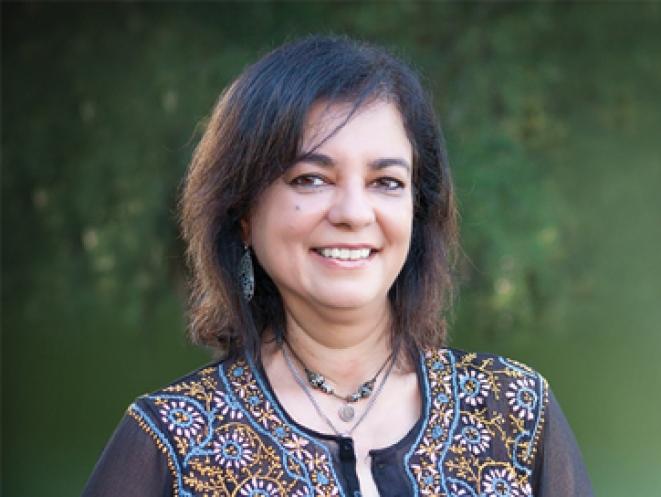 Anita Moorjani sonriendo