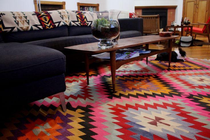 decorar con alfombras kilim
