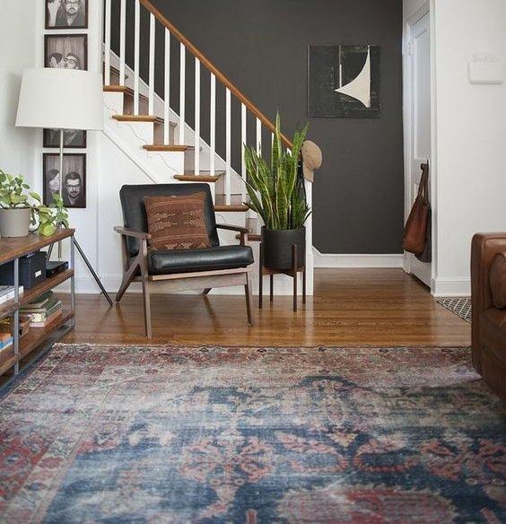 decorar con alfombras vintage descoloridas