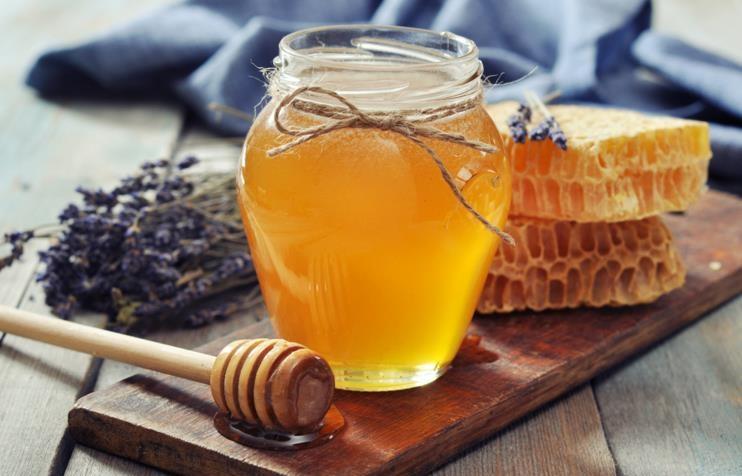 conciliar el sueño con miel de abejas