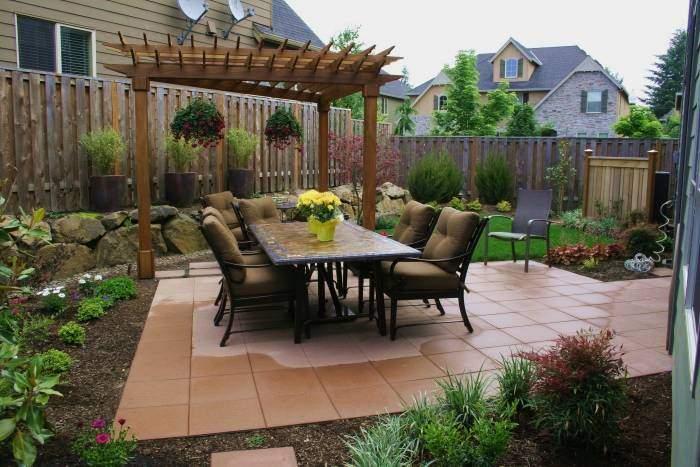 decorando el patio
