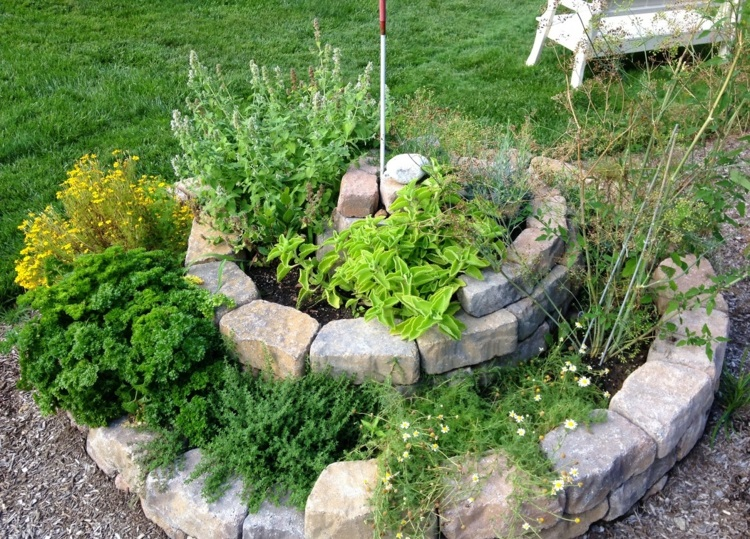 jardines hermosos de hierbas
