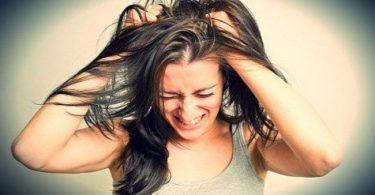 una mujer que está muy enojada