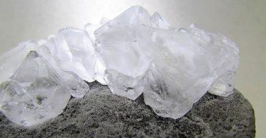 Beneficios del uso de piedras de alumbre