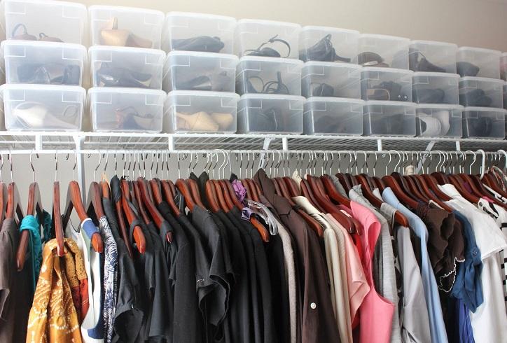 ideas para almacenar los zapatos en cajas transparentes
