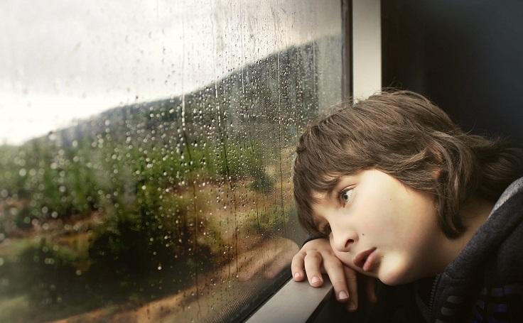 niño solitario