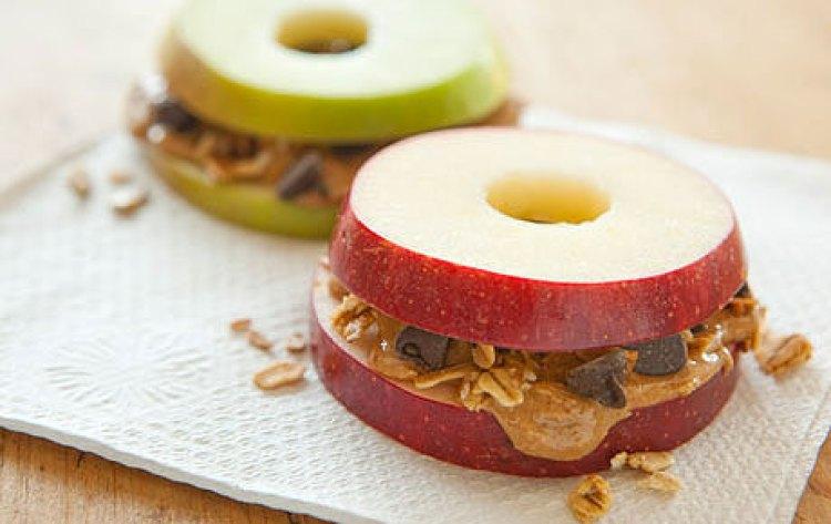 sándwiches con tapa de manzana