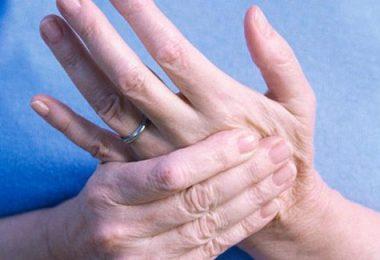 razones por las que se duermen las manos