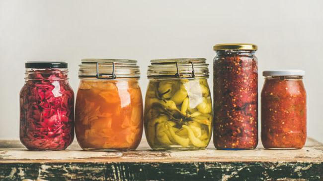 Diferentes productos fermentados envasados