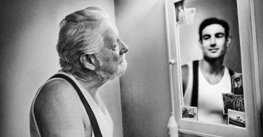Lo que piensas al verte al espejo