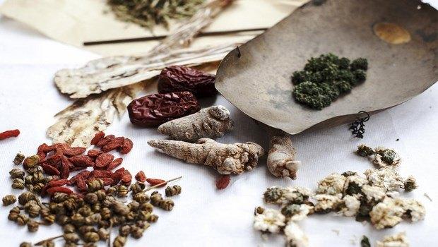 Remedios herbales para tratar la incontinencia urinaria