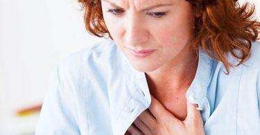 Mujer con palpitaciones y taquicardia por menopausia