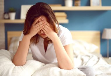 Mujer que padece síndrome de fatiga crónica