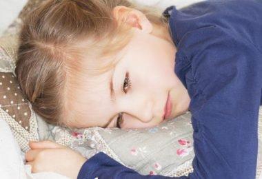 Una niña con síntomas de enfermedad renal