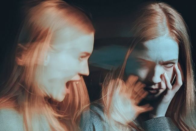 síntomas de la esquizofrenia en una mujer