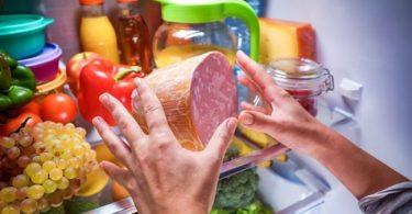 las causas y daños a la salud que se produce por el síndrome del comedor nocturno