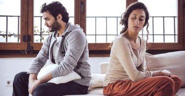 una pareja que tiene conflictos