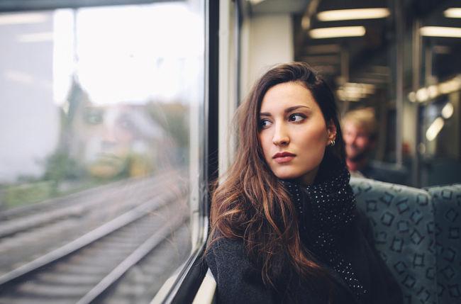 Una mujer que sufre crisis de identidad