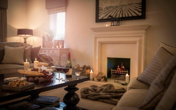 hogar acogedor con chimenea