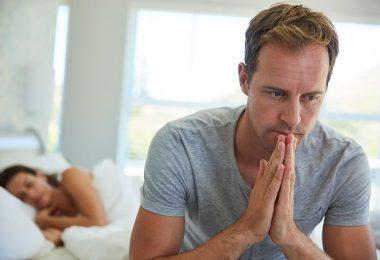Hombre con problemas de disfunción erectil