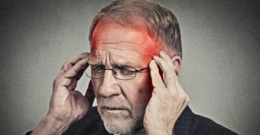 Hombre con sintomas de hemorragia cerebral