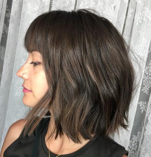 cortes de pelo para cabello grueso con flequillo