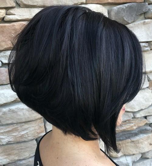 cortes de pelo para cabello grueso y abundante color negro y estilo bob