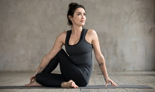 ejercicios abdominales Bharadvaja's Twist