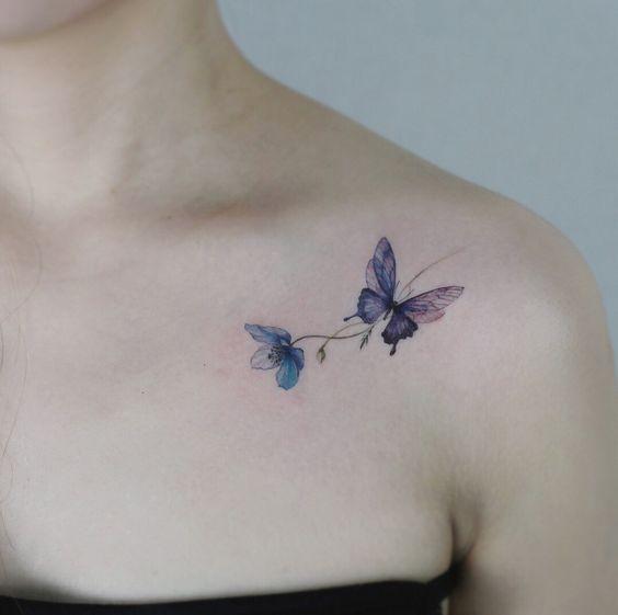 tatuaje de una mariposa emprendiendo el vuelo hacia la libertad