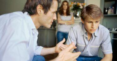 Conversando con su hijo adolescente para que se vuelva más responsable