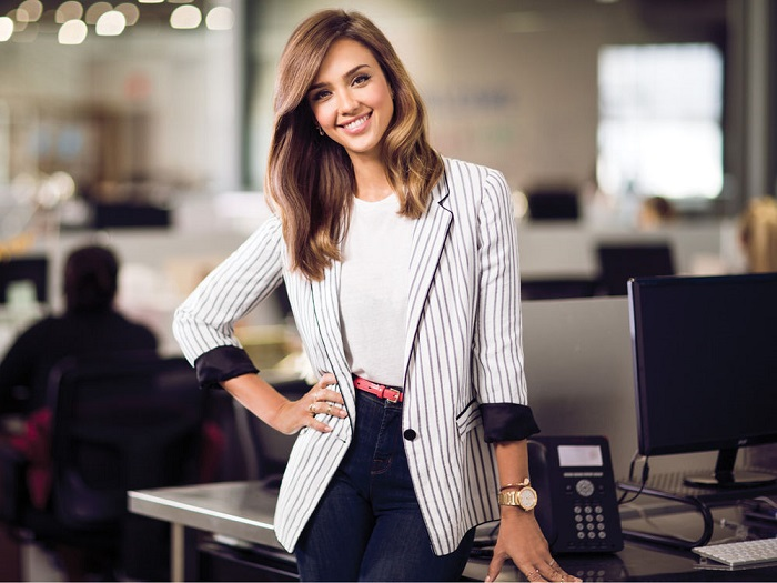 mujeres de 30 años luciendo más jóvenes