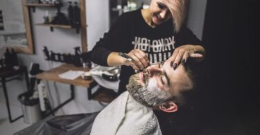 Cómo mantener una barba larga