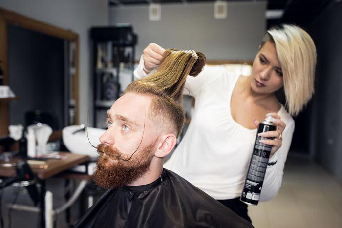 Corte de cabello hipster cabello largo y rapado