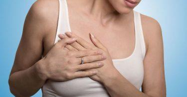 Mujer con problemas de fibrilacion auricular