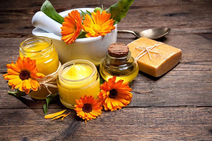 Remedio natural preparado con caléndula