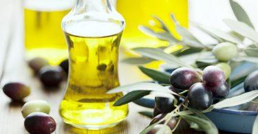 Aceitunas y aceite de oliva saludables