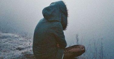 Persona solitaria. Cambios en la vida tras muerte de los papás.