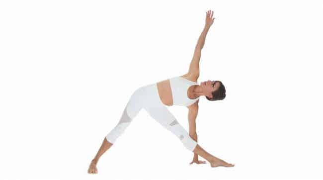 sesión de yoga Utthita Trikonasana